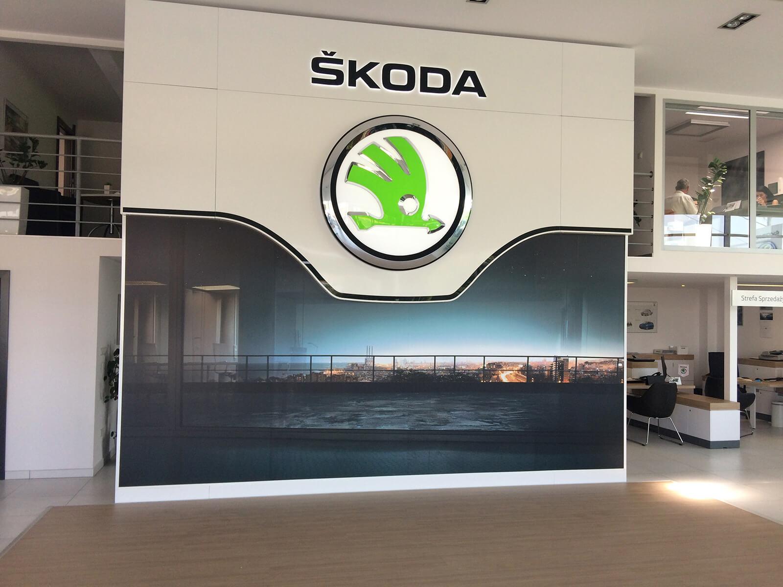 Rama reklamowa bannergear™ model High Dimension - Realizacja Salon Skoda