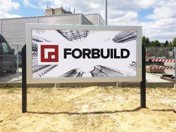 Realizacja dla Forbuild: rama reklamowa wolnostojąca bannergear - wymiana banerów - model Wall Slim